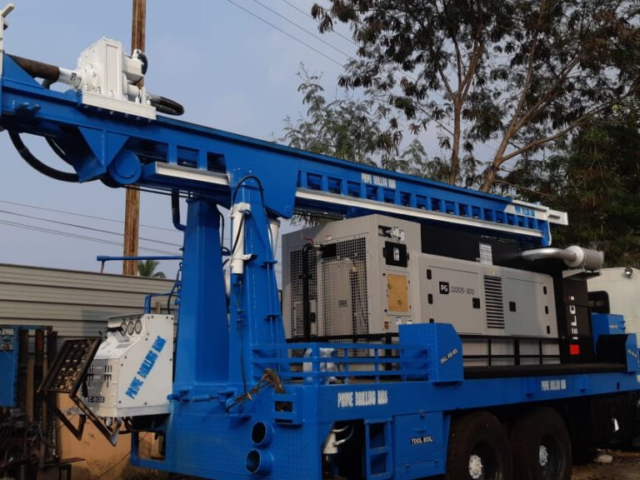 PDTHR 300 TRUCK MOUNTED DRILLING RIG