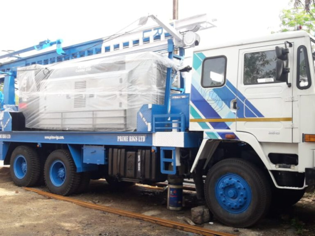 PDTHR 400 TRUCK MOUNTED DRILLING RIG