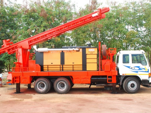 AMW TRUCK MOUNTED DRILLING RIG