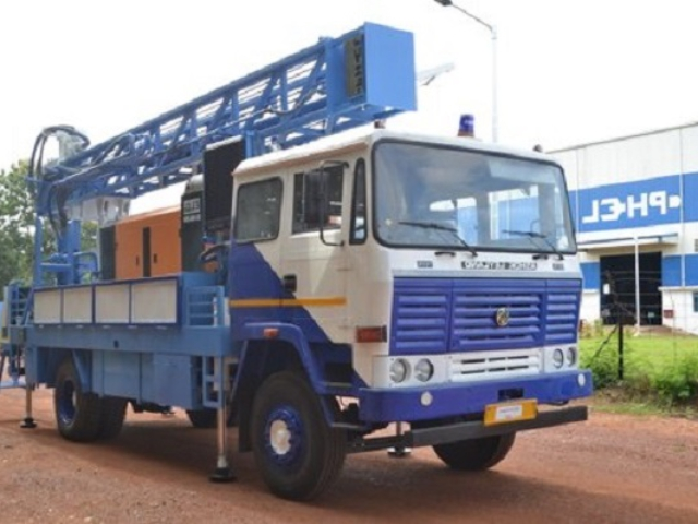 PDTHR 150-200 TRUCK MOUNTED DRILLING RIG