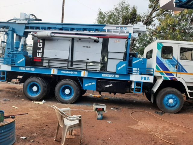 PDTHR 350 TRUCK MOUNTED DTH CUM ROTARY DRILLING RIG