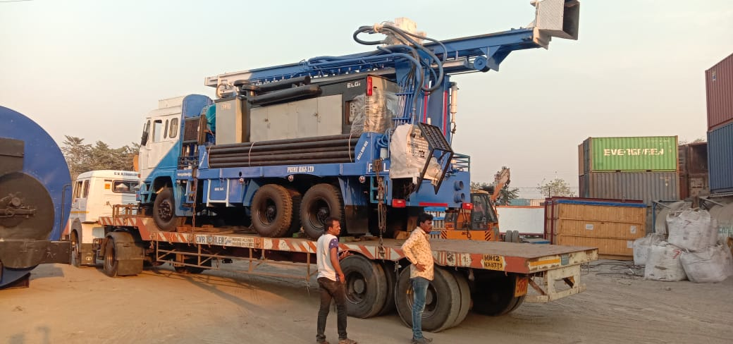 PDTHR 300 water well drilling rig