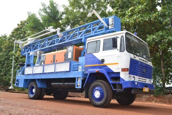 PDTHR-150 Truck mounted DTH cum Rotary Drilling Rigs